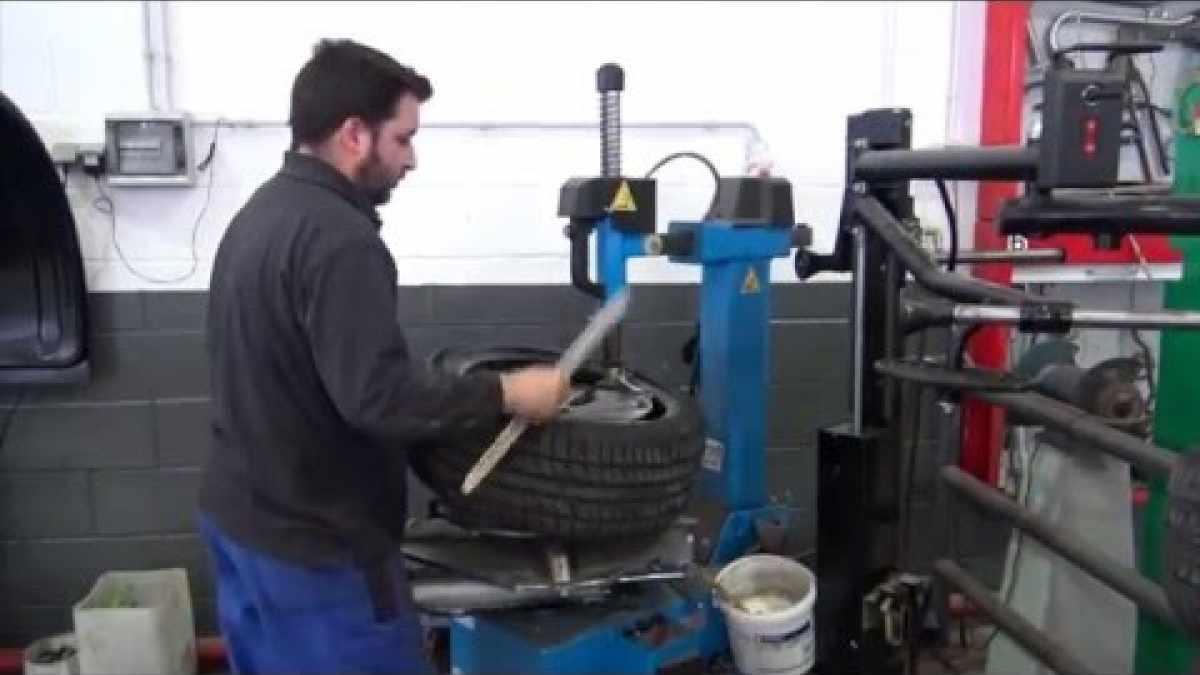 Canvi i alineació de pneumàtics - GSX Carrosseria - Lleida