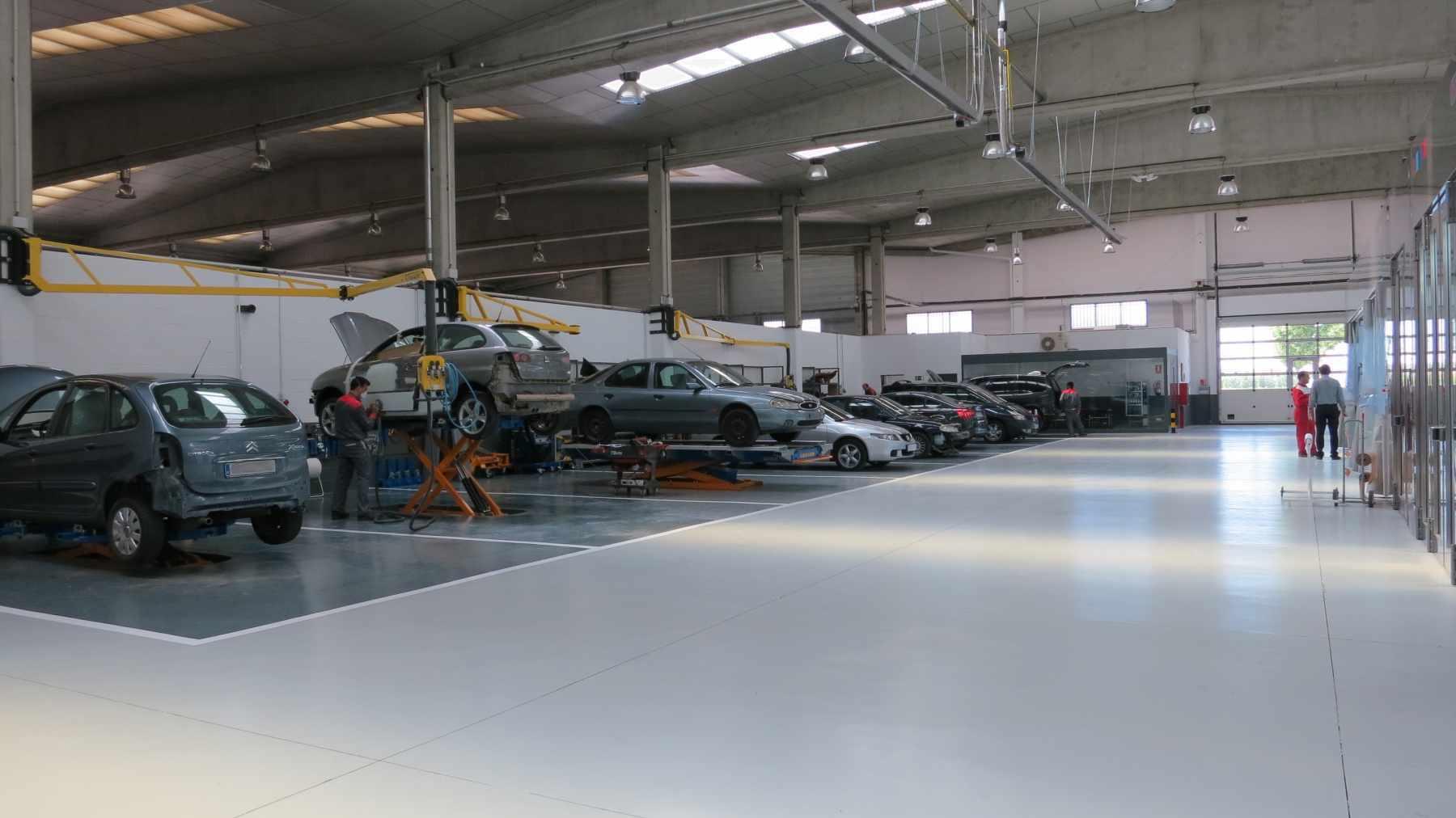 Interior GSX Carrosseria - Taller de xapa i pintura